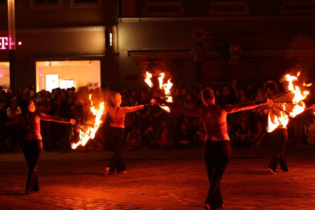 Straßenkunst - Feuershow - BAmberg zaubert - Straßenkunstfestival