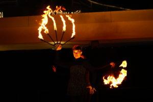 Feuershow aus Wien - Shining Shadows - Feuerkünstler für Events